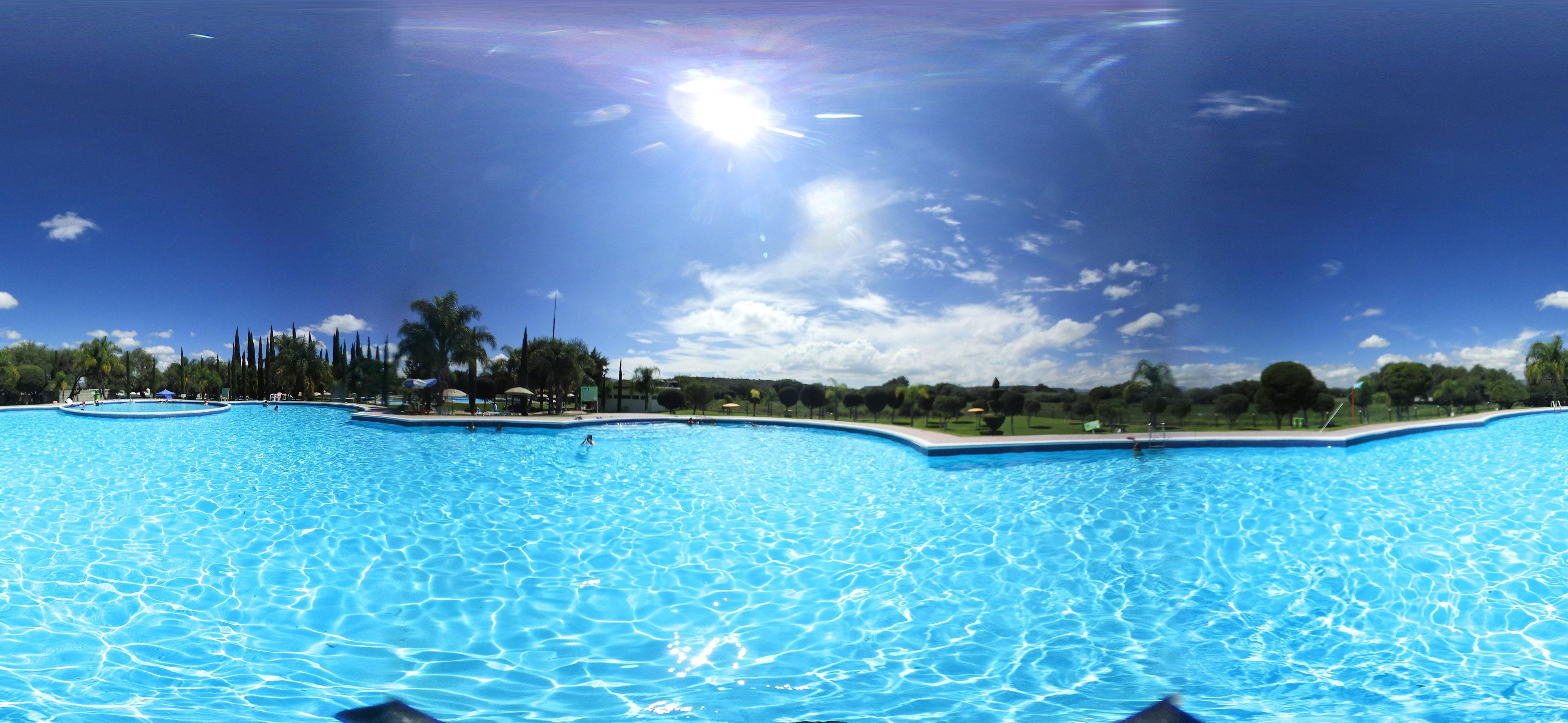 El Arenal cuenta con aguas cristalinas y terapéuticas.